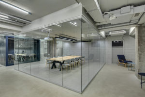 Embracing an Open Concept Workplace with Glass Partition Walls